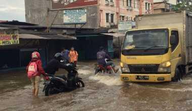 Banjir di Ciledug, Lalin Jakarta-Tangerang Terputus