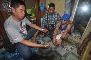 Montir Bengkel Ditangkap Polisi saat Sibuk Membungkus Paket Sabu