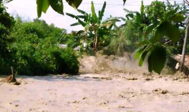 Warga Tulungagung Dihantui Banjir Bandang dan Longsor Susulan