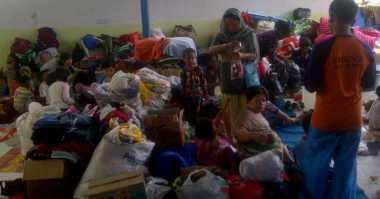 Keganasan Banjir Bandang Garut Tak Surutkan Semangat Surya untuk Sekolah