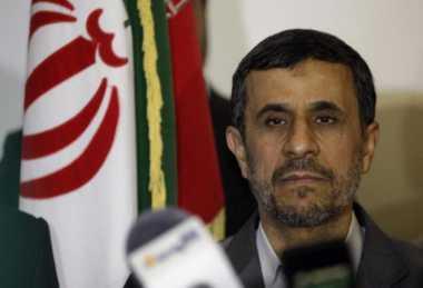 Khamenei Minta Ahmadinejad Tak Maju di Pilpres Iran