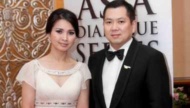 ULTAH HARY TANOE: Serangkai Bunga Indah Persembahan Liliana Tanoesoedibjo kepada Hary Tanoe