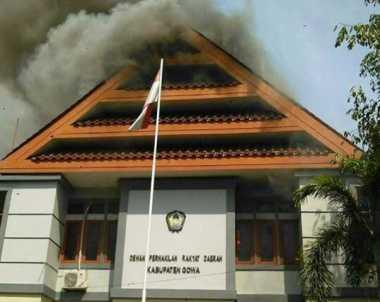 Kantor DPRD Gowa Sulsel Terbakar
