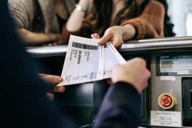 Jangan Pernah Upload Boarding Pass ke Medsos, Ini Bahayanya!