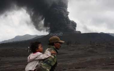 Gunung Bromo Siaga, BNPB: Warga Harus Waspada dengan Erupsi Lebih Besar