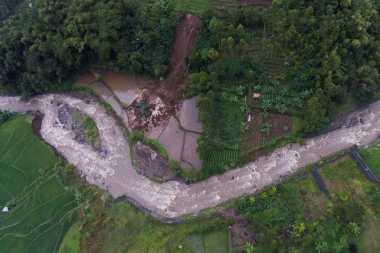 Bupati Garut Larang Pembangunan Rumah di Area Terdampak Banjir Bandang