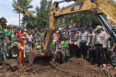 Cari Korban Banjir Garut, 4.000 Personel Gabungan Dikerahkan
