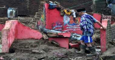 Relawan dan Pengungsi Banjir Bandang Garut Butuh Terapis & Psikolog