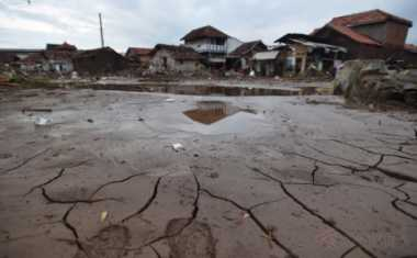Rumah Tersapu Banjir Garut, Ibu Hamil Pertanyakan Rusun