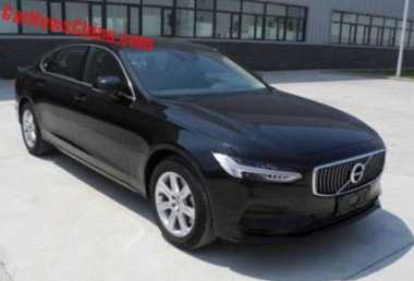 Di China, Sedan Mewah Volvo S90L & Mercy E Class Dibuat Melar