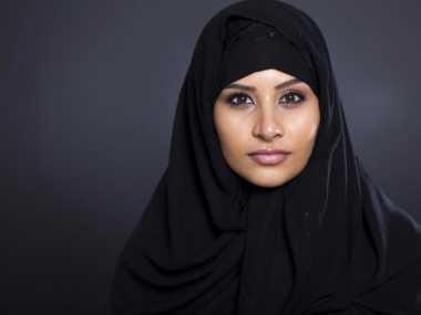Politikus Swiss Larang Pemakaian Jilbab untuk Foto Paspor