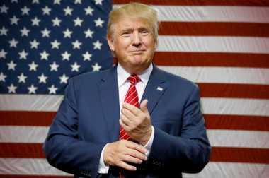 5.000 Pejabat Imigrasi Nyatakan Dukungan untuk Trump