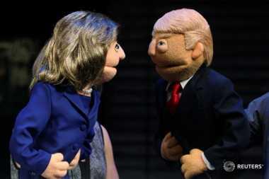 Debat Capres Hillary dan Trump Dimeriahkan Boneka