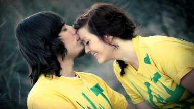 Serba-serbi Cerita Ciuman Pertama yang Membuat Bahagia