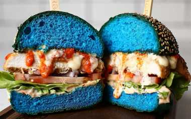 TOP FOOD 1: Terinspirasi Mystique di X-Men, Burger Ini Berwarna Biru