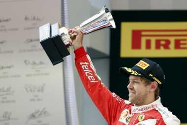 Daniel Ricciardo Beberkan Perbedaan Sebastian Vettel dengan Max Verstappen