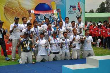 Tim Cricket Putra Bali Kawinkan Emas PON 2016