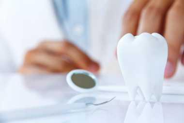 Berobat ke Tukang Gigi, Sudah Tahu Risikonya?