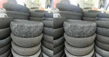 Begini Cara Bedakan Cobek Terbuat dari Batu & Semen