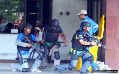 Tangkap Terduga Teroris, Barang-Barang Ini Diamankan Densus 88