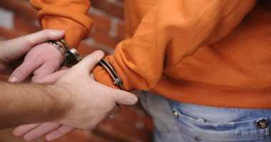Terjatuh Usai Jambret Handphone, Ahmad Dibekuk Polisi