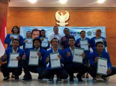 Hary Tanoe Bagikan Beasiswa ke Mahasiswa Berprestasi Bali
