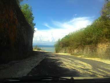TOP TRAVEL 1: Menikmati Sisi Lain Keindahan Bali dari Pantai Melasti
