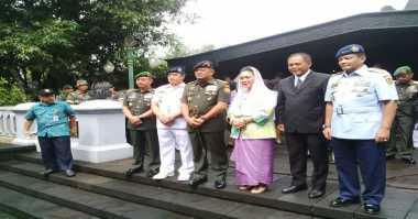 Jelang HUT Ke-71, Panglima TNI Ziarah ke Makam Soeharto