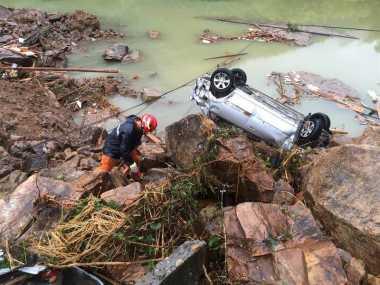 Longsor Akibat Topan Megi di China, 15 Selamat & 32 Hilang