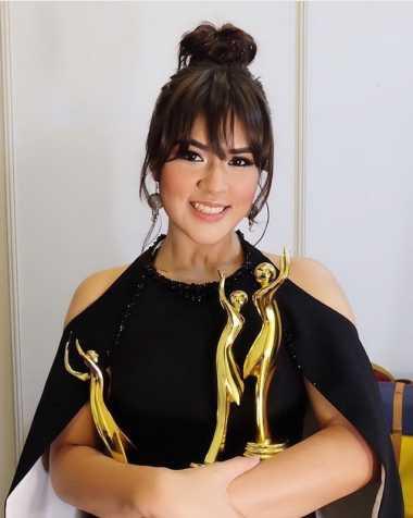 AMI Awards 2016 : Poni Baru, Raisa Makin Ciamik