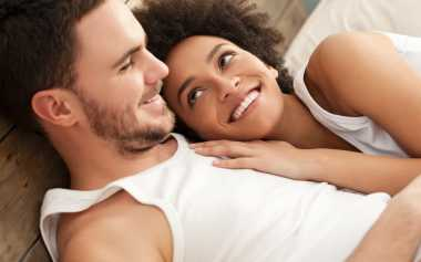 Suami-Istri Harus Paham Ini jika Ingin Makin Romantis di Ranjang