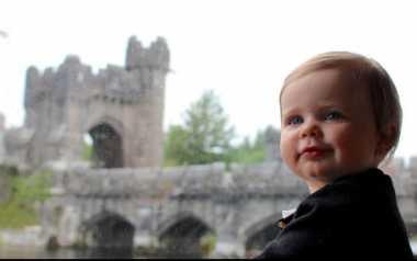 Wow, Bayi Usia Setahun Ini Telah Injak 31 Negara
