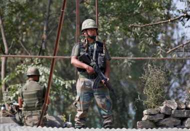 Kashmir Memanas, India Evakuasi Ribuan Warga dari Perbatasan Pakistan