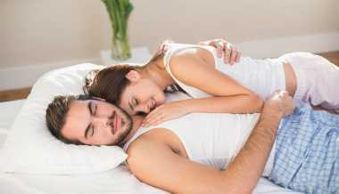 TOP FAMILY 5: Seperti Ini Pentingnya Pasutri Bermesraan dalam Pernikahan