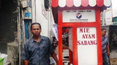 Cerita Pedagang Mie Ayam Jadi Pusat Perhatian Berkat Gerobak Perindo