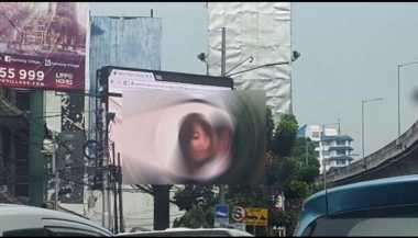 DPR Desak Pelaku Pemutar Film Porno di Papan Reklame Dihukum Berat
