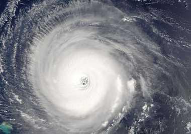 Badai Matthew Bergerak ke Jamaika Masuk Kategori Ekstrem