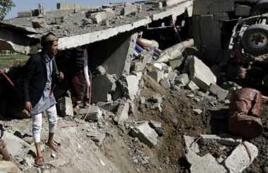 Bom Bunuh Diri di Pelabuhan Yaman, Satu Orang Tewas & Tiga Luka