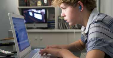 Pornografi Memicu Remaja Lakukan Pelecehan Seksual