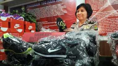 Polisi Tangkap Distributor Sepatu Nike Palsu