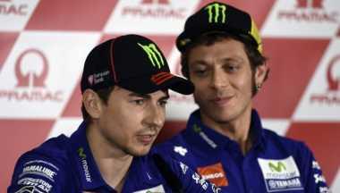 Rossi Akui Selalu Ingin Lebih Unggul dari Lorenzo