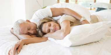 TOP HEALTH 4: Mitos-Mitos Seks Setelah Usia 50 Tahun