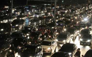 Masih Macet di Jalur Bogor-Sukabumi, Polisi Terjunkan 143 Personel
