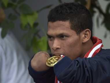 Misman, Peraih Medali Emas Renang yang Ternyata Penjahit Keluarga Jokowi