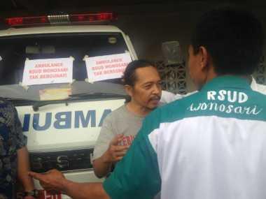 Diduga Paksa Pasien Miskin Bayar Sewa, Warga Segel Ambulans RSUD