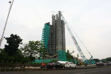 Kembali Molor, Gedung Tua di Bintaro Batal Diruntuhkan Malam Ini