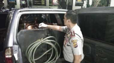 Polisi Ungkap Penimbun BBM Jenis Solar di Bogor