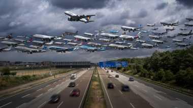 Wow, 25 Pesawat Terbang Secara Bersamaan