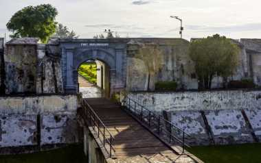 Benteng Fort Marlborough Bengkulu Dikagumi Turis Asing