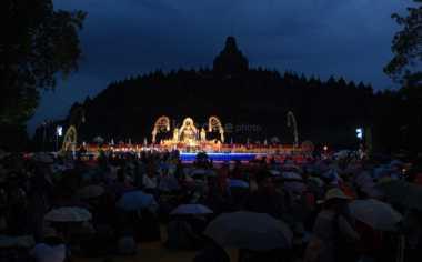 Pertama Kali Kunjungi Borobudur, Menteri Keuangan Korea Selatan Terkesan